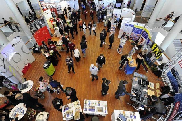 80 Aussteller werben bei der Jobstartbörse um Nachwuchs