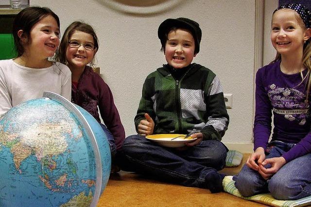 Kinder üben Völkerverständigung in gelöster Atmosphäre
