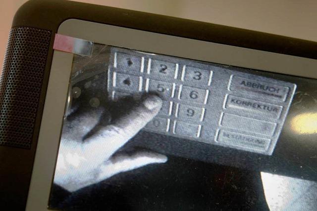 Skimming – rumänische Täter manipulieren Geldautomat
