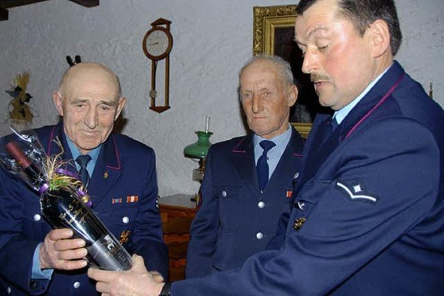 Anerkennung für 65 Jahre bei der Feuerwehr