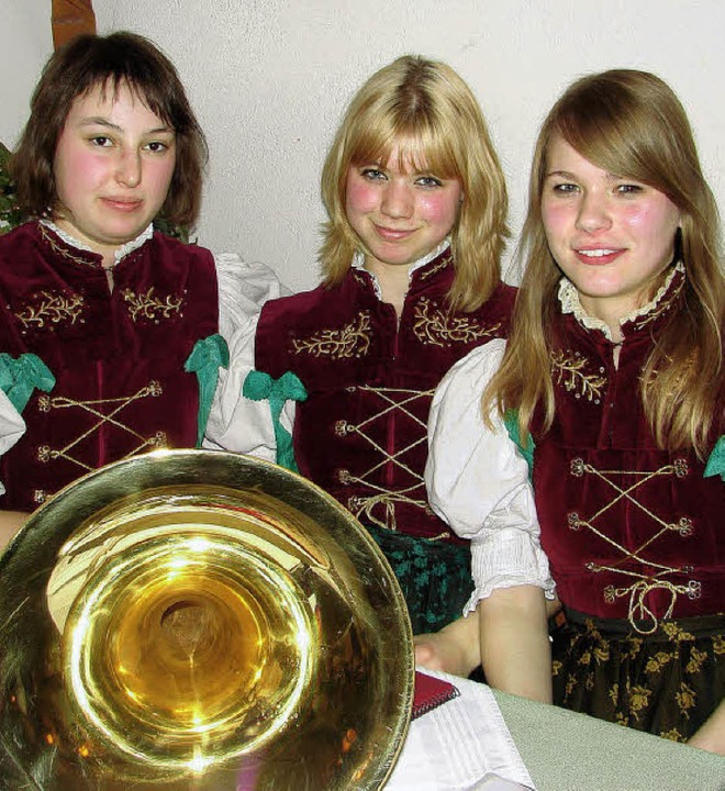 Künftig werden Hanna Albert, Larissa H...serjugend der Trachtenkapelle leiten.   | Foto: Christa Maier