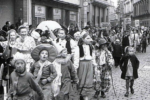 Die Franzosen genehmigen einen Kinderumzug