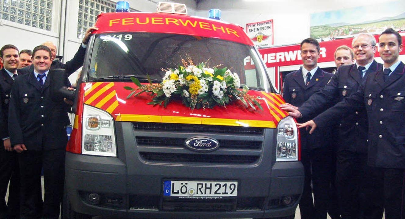 Einweihung des neuen Mannschafttransportwagens der Feuerwehr Nollingen  | Foto: Jutta Rogge