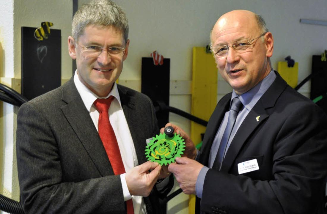 Peter Cleiß, Vorsitzender der Bildungs...e Wunderwelt der Technik heranführen.   | Foto: bro