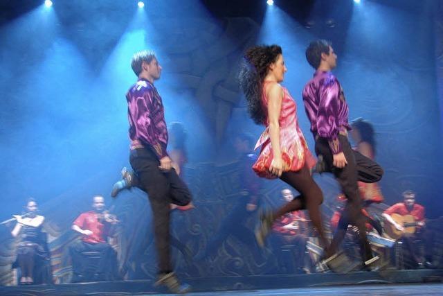 Wie tanzende irische Dominosteine