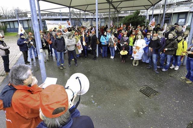 Erzieher und Lehrer im Streik