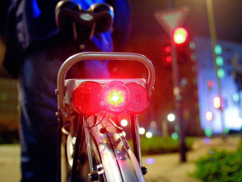 Perfekt: Funktionierendes Rücklicht, das seine Energie von einem Dynamo bezieht.  | Foto: Pressedienst Fahrrad