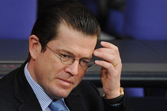 Guttenberg soll bei Doktorarbeit abgekupfert haben