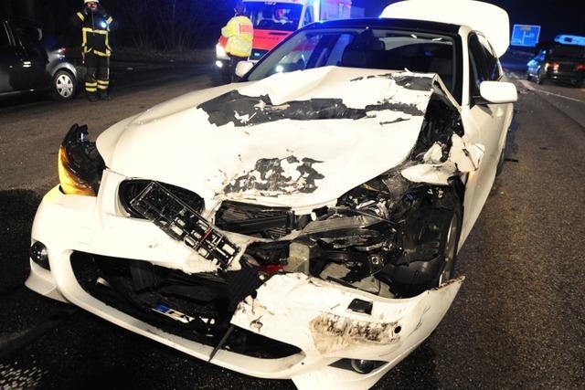 Schwerer Unfall auf der B31 beim Zubringer-Süd