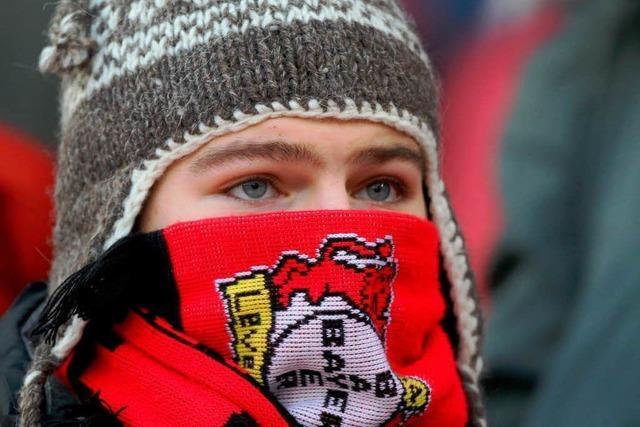 Vollgekotzt, zugemüllt: Bayer 04 stoppt Sonderzug nach Freiburg