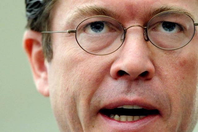 Guttenberg räumt Fehler ein, tritt aber nicht zurück