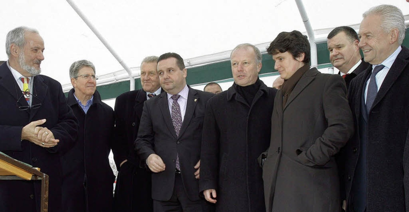 Politprominenz vor Ort (von links): He...Guderjan  und Bahnchef Rüdiger Grube.   | Foto: Patrik Müller
