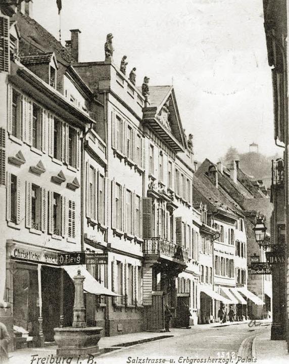 Die Ansicht von 1905 zeigt das Großher...sade als Landgericht wieder aufgebaut.  | Foto: Schneider/Archiv Gallo