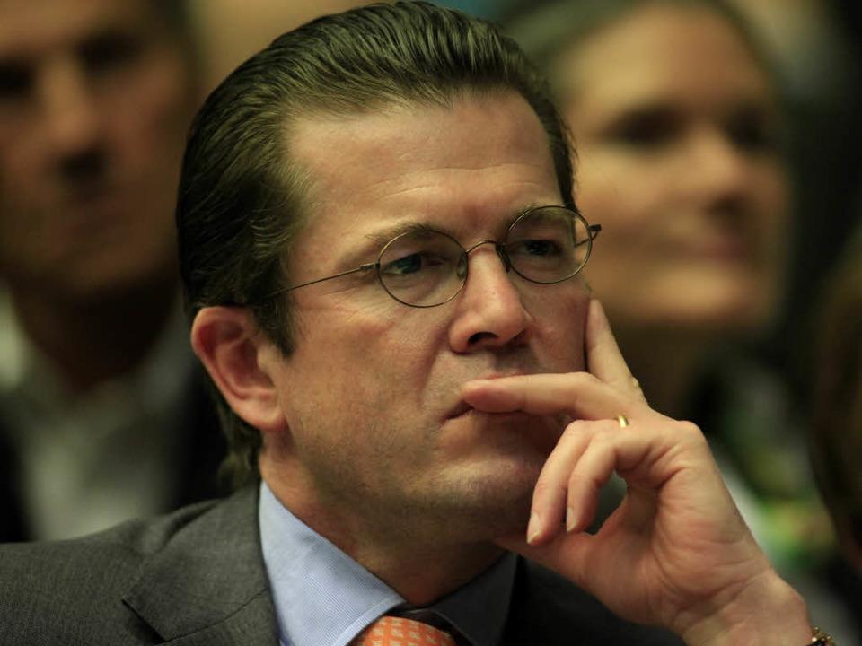 Verteidigungsminister Karl-Theodor zu Guttenberg  | Foto: dapd