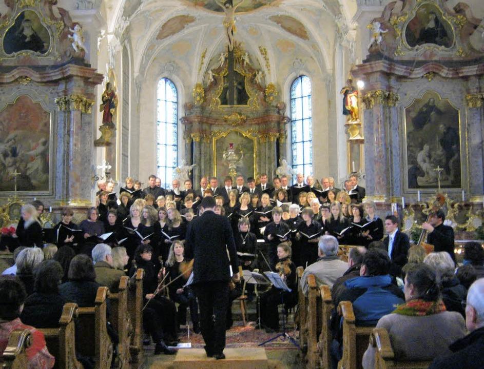 Die Kirchenchöre Sölden und St. Ulrich...rkirche Peter und Paul in St. Ulrich.   | Foto: Anne Freyer