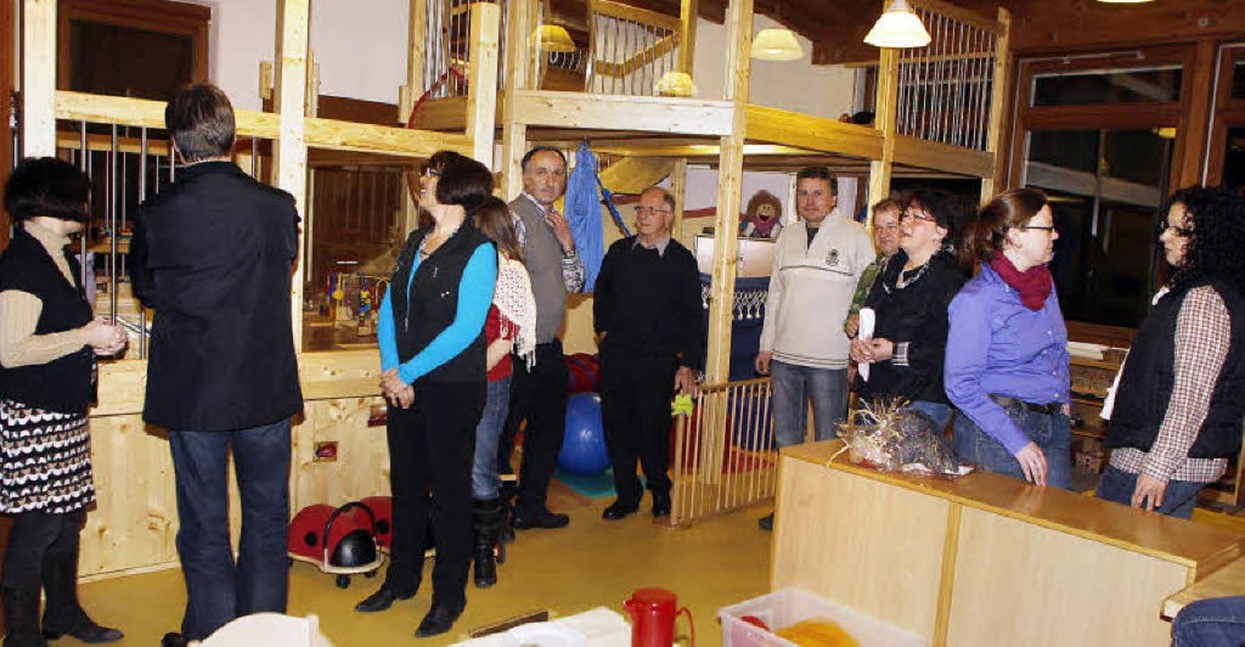 Freude auf allen Ebenen: bei der Besic... Räume für die neue Kleinkindergruppe     Foto: heidi fössel
