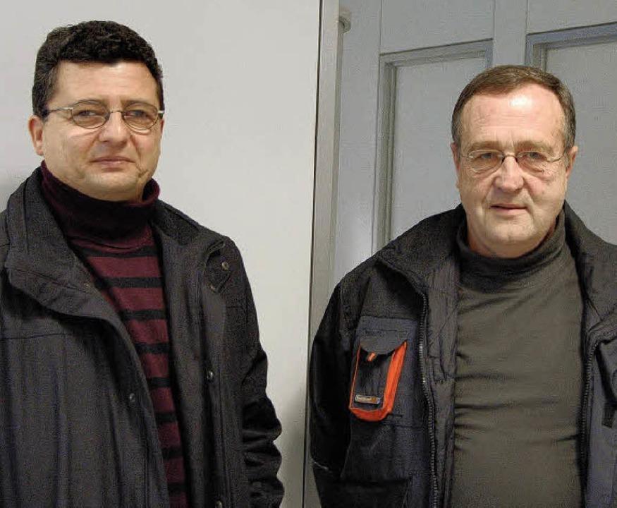 Uwe Mühl (links) und Herbert Kropf wol... mit gültigen Tickets unterwegs sind.   | Foto: Ralf H. Dorweiler