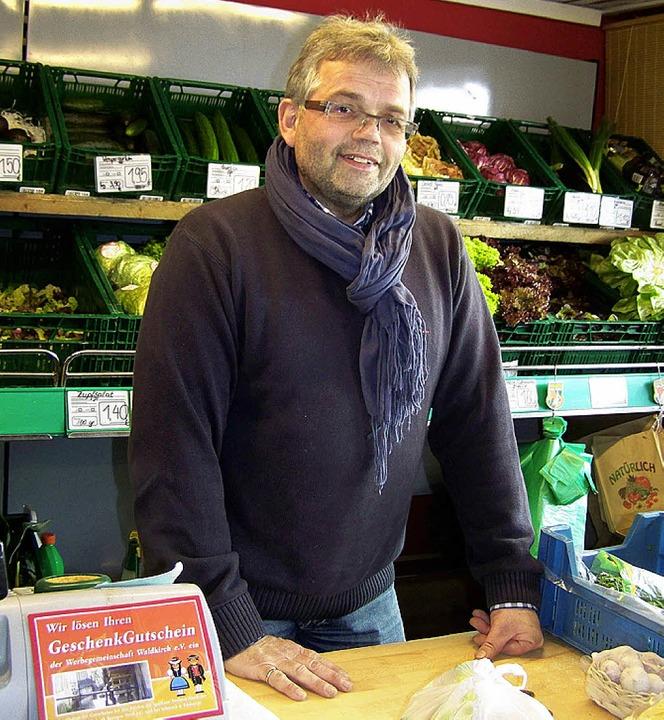 Der neue Vorsitzende der Werbegemeinsc...der Theke im  Obstladen, Lange Straße.  | Foto: Sylvia Timm