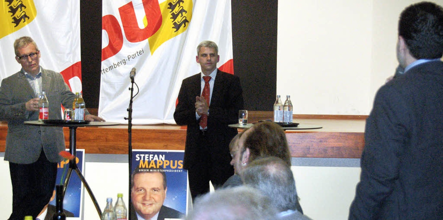Oswald Metzger (links) und Patrick Rapp bei der Wahlkampfveranstaltung in Au   | Foto: Franz Dannecker