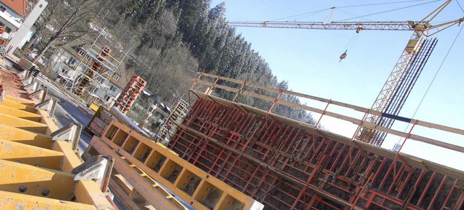 Baustelle im Winterschlaf: Bis die Arb... dauert es wohl noch ein paar Wochen.   | Foto: blum