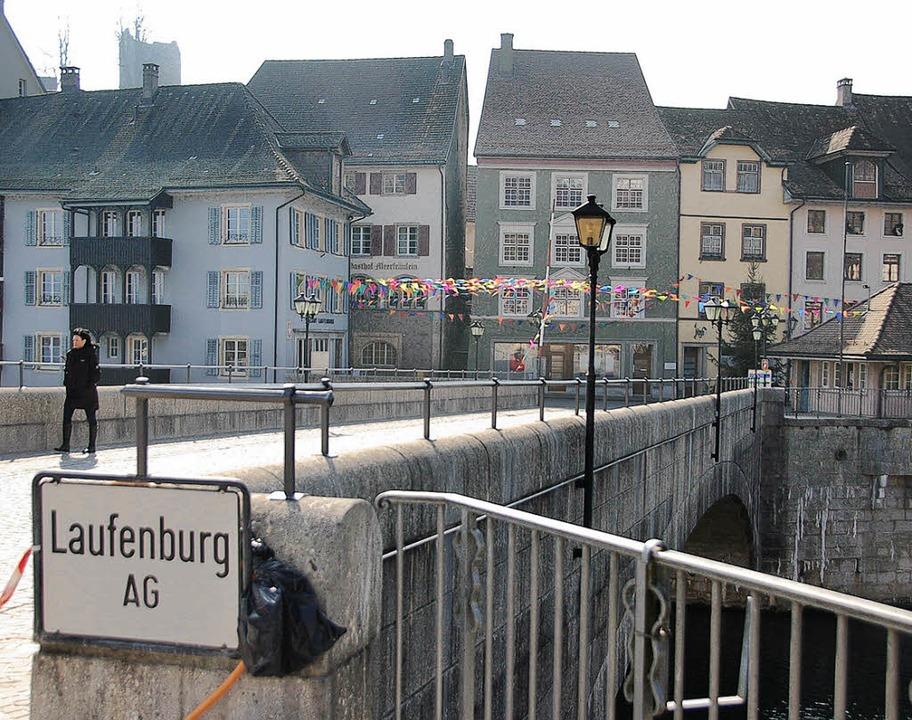 Neues Geländer auf der Laufenbrücke  | Foto: Winfried Dietsche