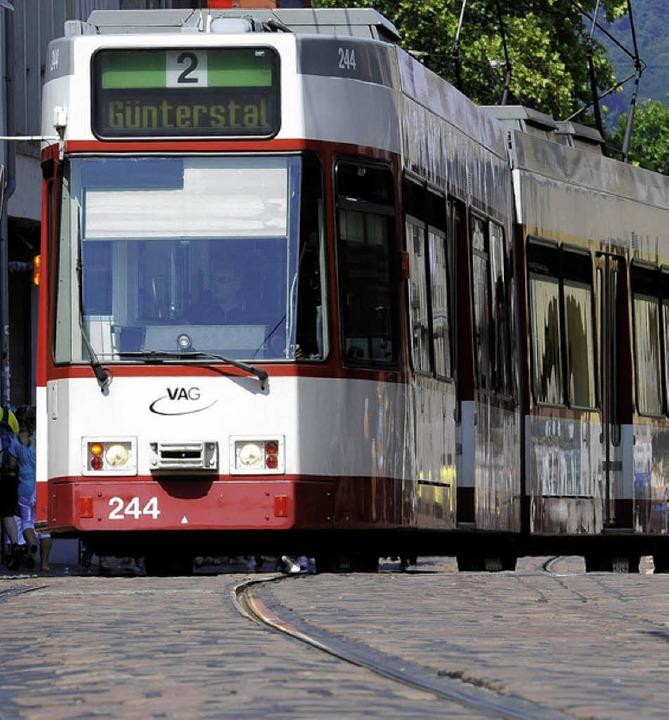 Straßenbahnen, die schnellste Verbindung ins Umland     Foto: SCHNEIDER