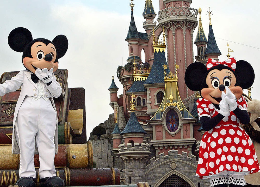 Ups, das ging daneben – Mickey Mouse and Minnie in Paris.   | Foto: AFP