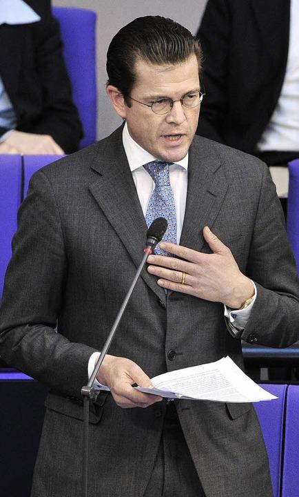 Kein reuiger Sünder: Guttenberg am Mittwoch im  Bundestag   | Foto: AFP
