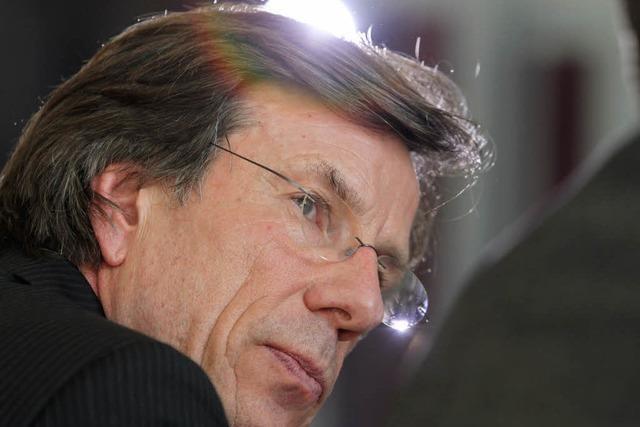 Uni nimmt Guttenberg den Doktortitel – Merkel: Keine Schwächung