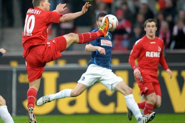 Podolski trifft spät: 1. FC Köln besiegt SC Freiburg 1:0