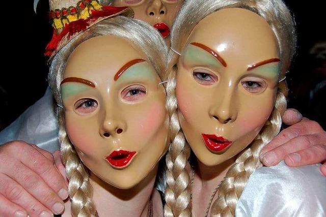 Fotos: Bunte Masken im Konradssaal in Stühlingen