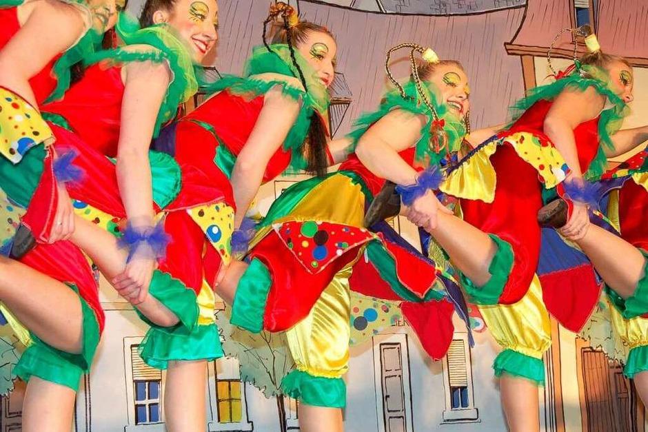 Impressionen von den tänzerischen Darbietungen des Breisacher Zunftabends (Foto: Frank Kreutner)