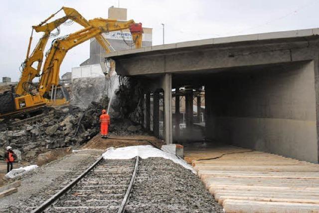 Für die Tram müssen im Kleinhüninger Hafen drei Brücken weichen