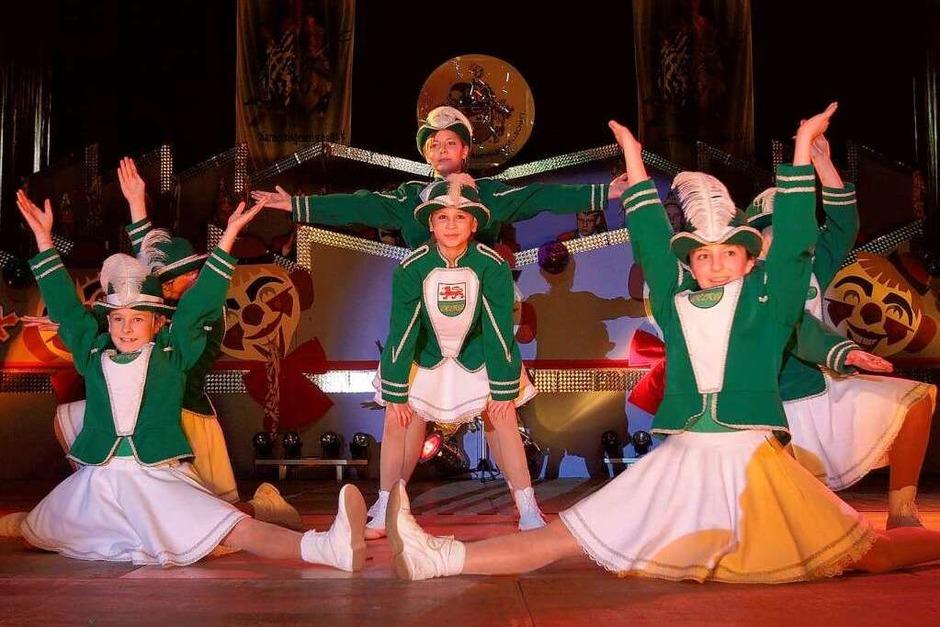 Auf der Bühne: Die Herbolzheimer Jugendgarde (Foto: Patrik Müller)
