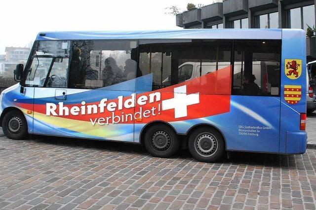 Stadtbus holt kräftig auf