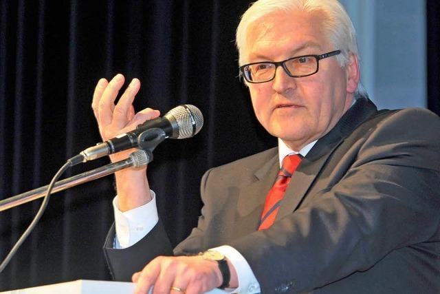 Steinmeier kritisiert Merkels Umgang mit der Plagiatsaffäre