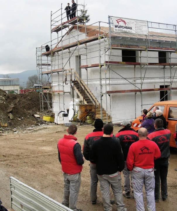 Richtfest wurde für das neue Clubheim ...ngsgesellschaft (links) weichen muss.     Foto: mario schöneberg