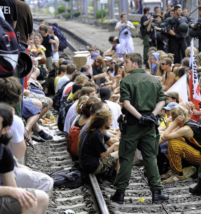 Die juristischen  Nachwirkungen der Gleisblockade vom Juni 2010 dauern  an.   | Foto: Schneider