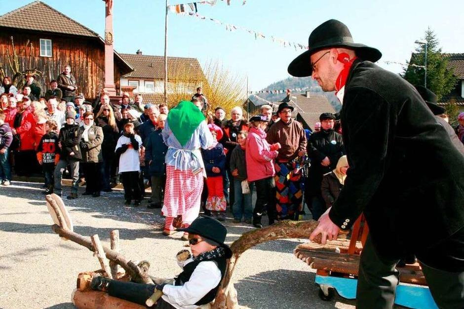 Ein närrisches Spektakel sahen die Zuschauer beim Umzug in Münchweier. (Foto: Sandra Decoux-Kone)
