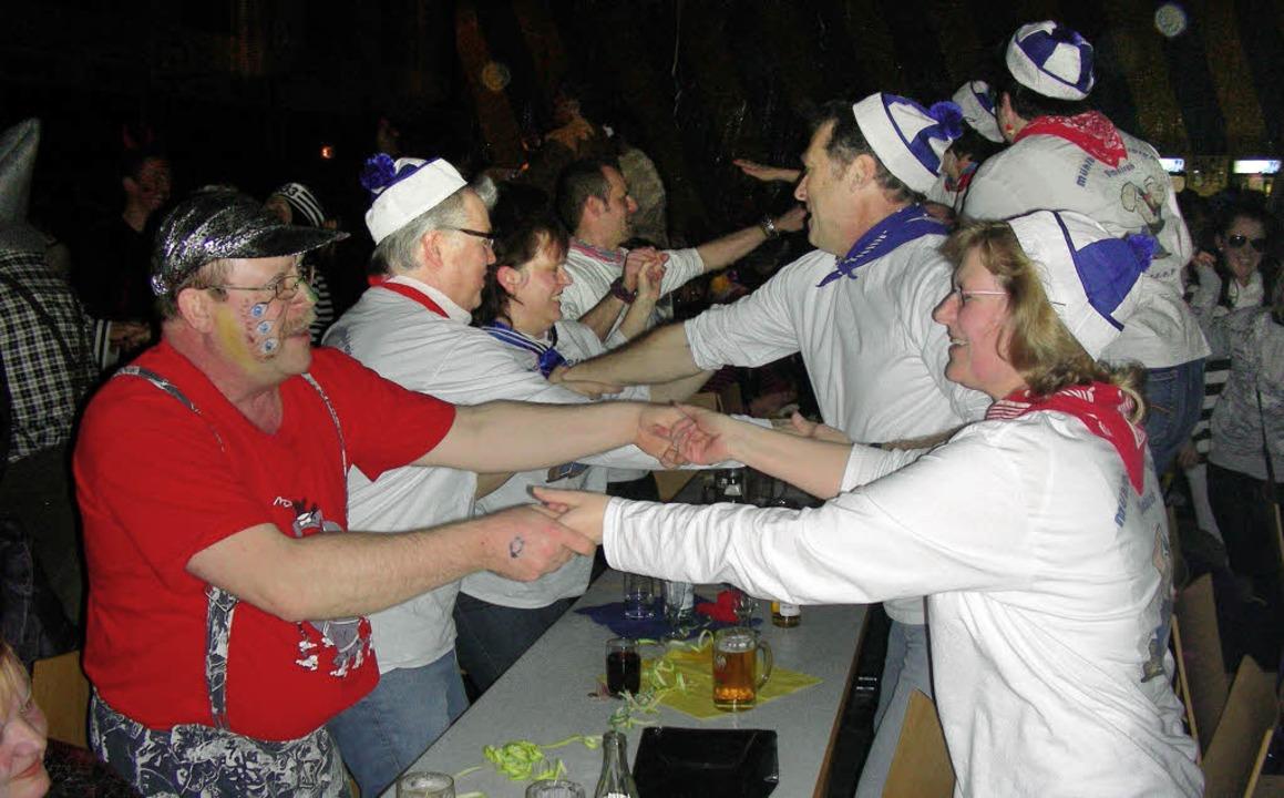 Reich mir deine Hände: Das Publikum be...lubs ließ sich zum Feiern animieren.    | Foto: mario schöneberg