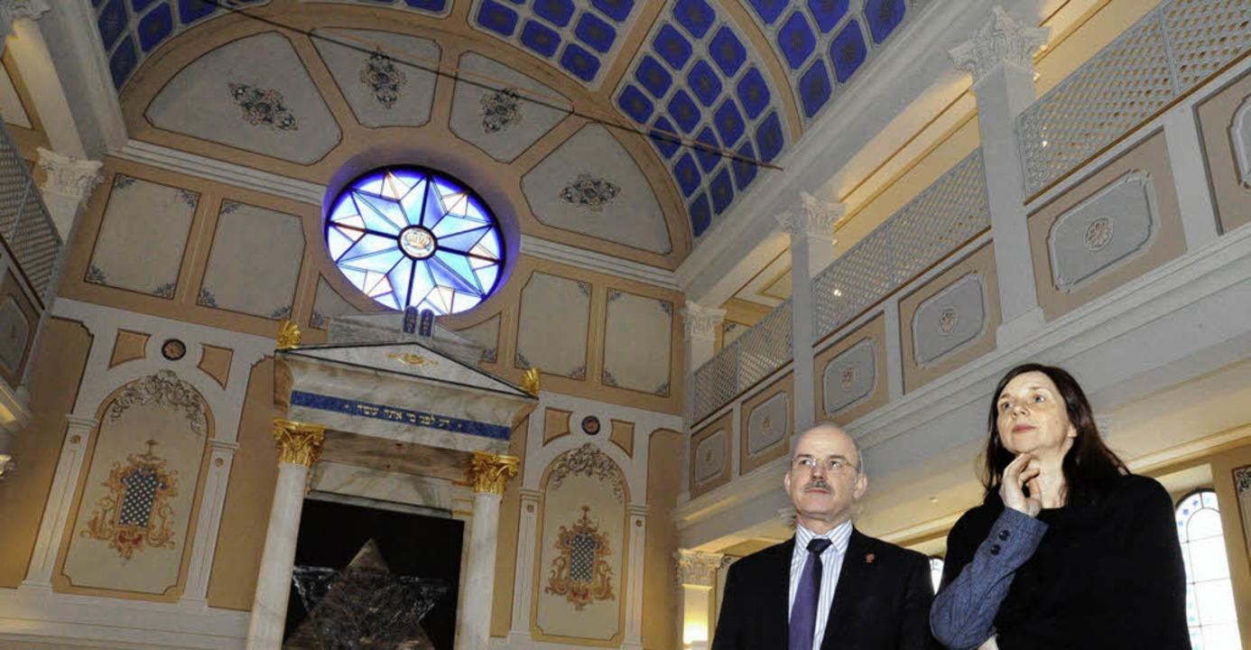 Prominenter Besuch in der ehemaligen S...eter Wehrle das ehemalige Gotteshaus.     Foto: Volker Münch