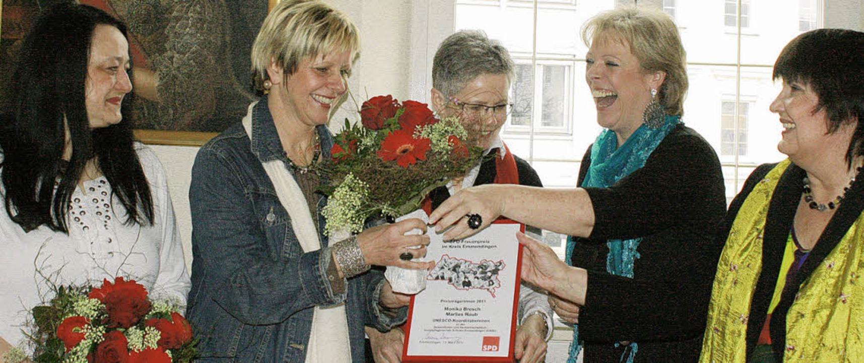 Große Freude: die Preisträgerinnen Mar...eordnete Marianne Wonnay (von links).   | Foto: Charlotte Wittnebel