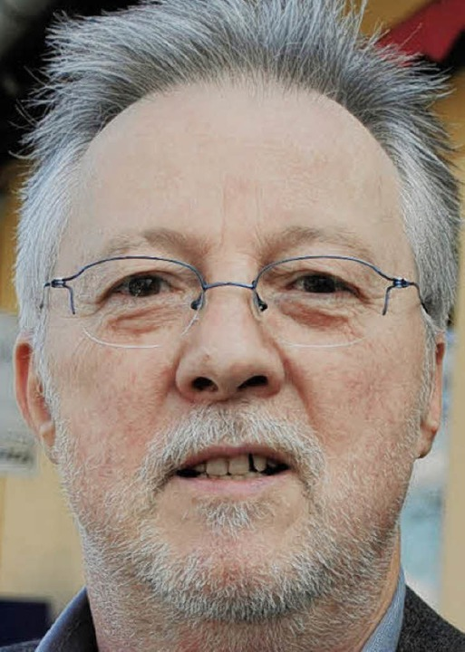 """Michael Dubeck (60), Journalist, Merzh...ie werde sie überprüfen lassen?""""    Foto: Hanna Gier"""