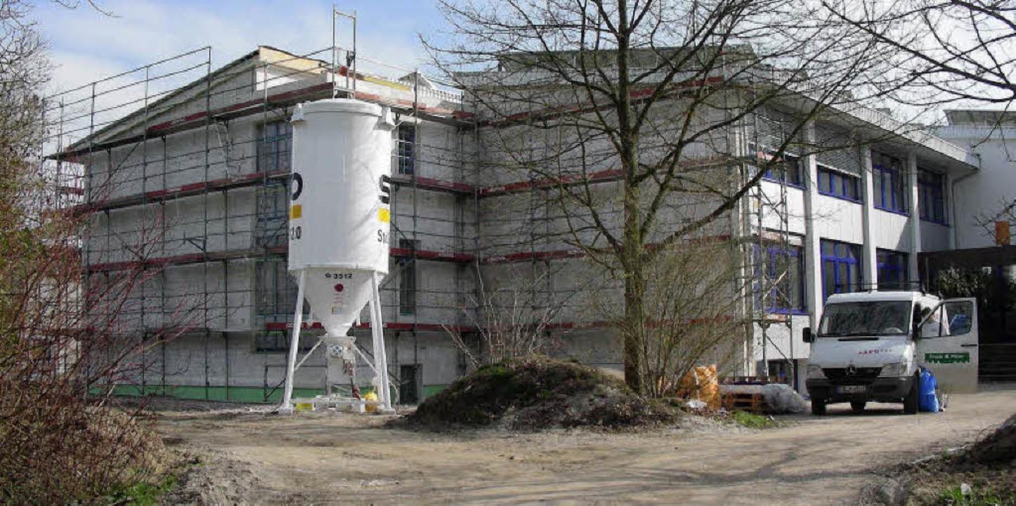 Eine Baustelle ist die Werkrealschule....Stahlträgernetz abgeschlossen werden.   | Foto: mario schöneberg