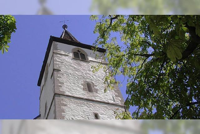 Neue Ziegel für den Turmhelm