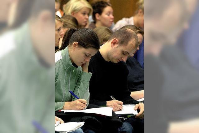 Der Streit um die Studiengebühren hält an