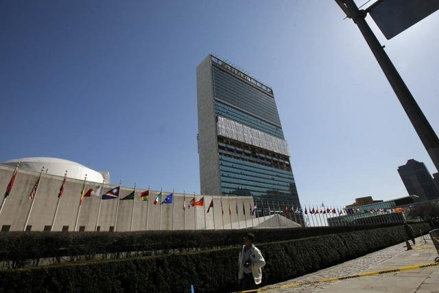 UN erlaubt Luftangriffe auf Gaddafis Truppen
