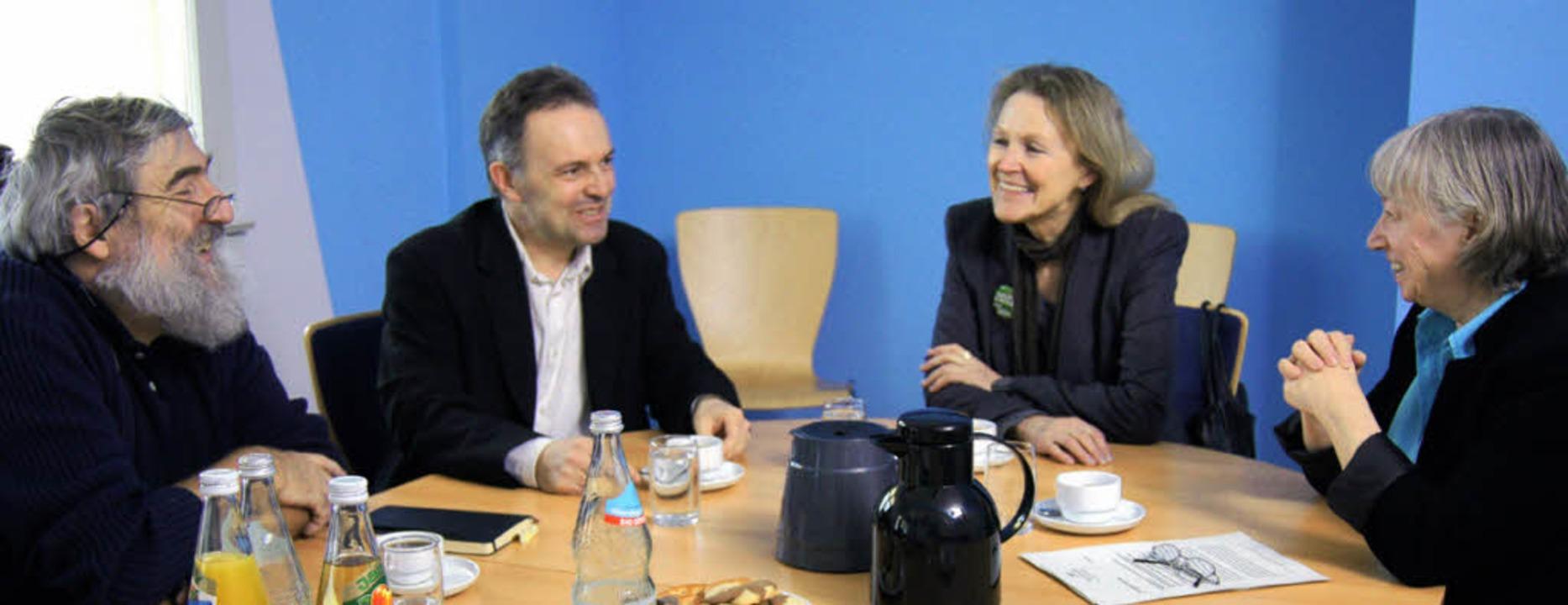 Miteinander ins Gespräch kamen Michael...rn Josha Frey und Sylvia Kotting-Uhl.   | Foto: Privat