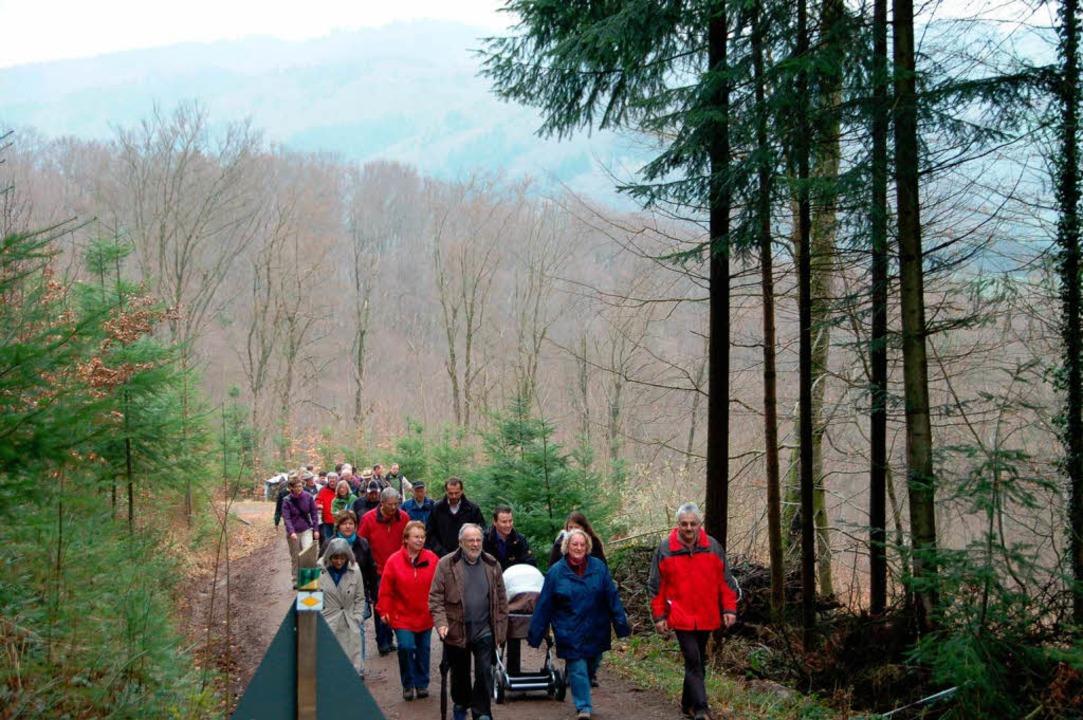 Mit Kind und Kegel und Bürgermeisterin...euen historischen Wanderweg in Freiamt    Foto: Pia Grättinger