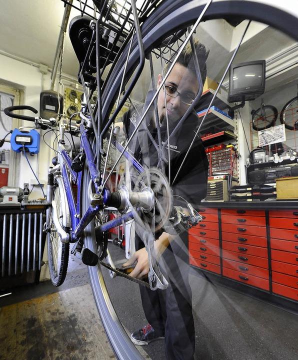 Fahrradmechaniker Christoph Seßler   | Foto: Ingo Schneider